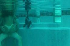 Trekken en batsen onder water