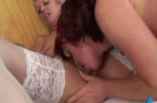 Sex tussen twee moeders